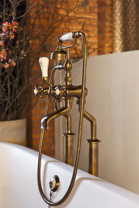 Badkranen   taps & baths