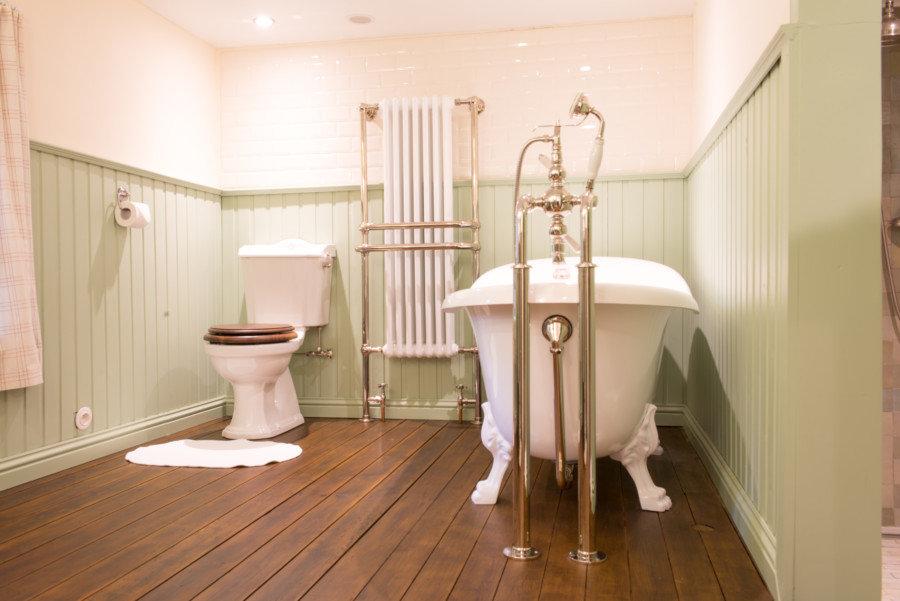 Landelijke klassieke retro toiletten taps baths