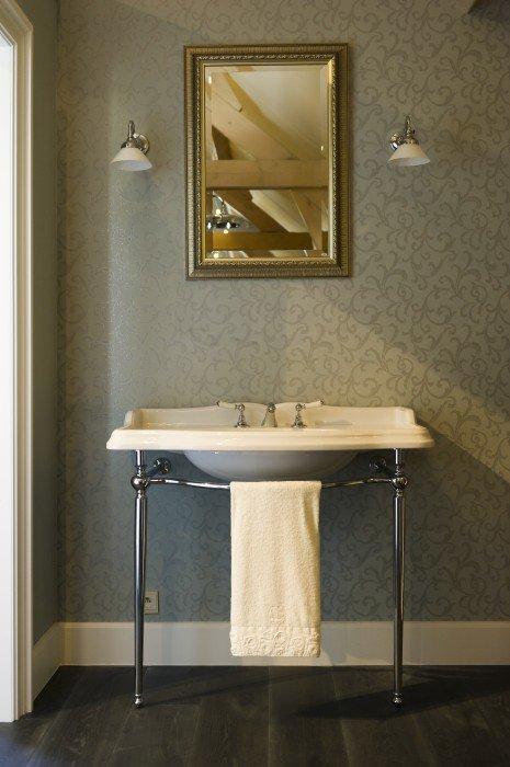 Old English Sanitair.Old England Porseleinen Wastafels Toiletten Taps Baths