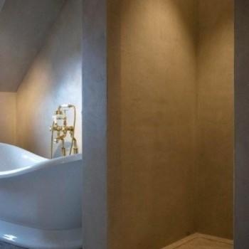 landelijke badkamer - vrijstaand bad