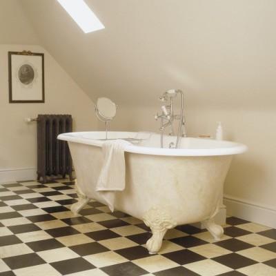 bad op pootjes - bad op poten - landelijke badkamer