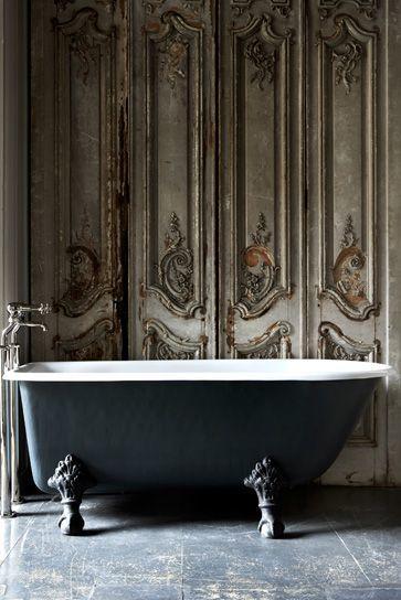 Salles de bains information et inspiration bain sur jambes - Baignoire pied de lion castorama ...