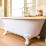 bad op pootjes - bad op poten - landelijke badkamers
