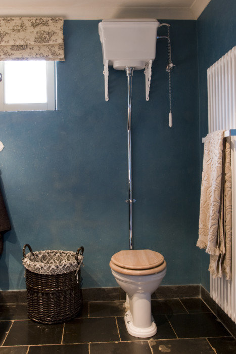 Klassiek toilet informatie en inspiratie voor een klassiek interieur taps baths knokke - Decoratie van toiletten ...