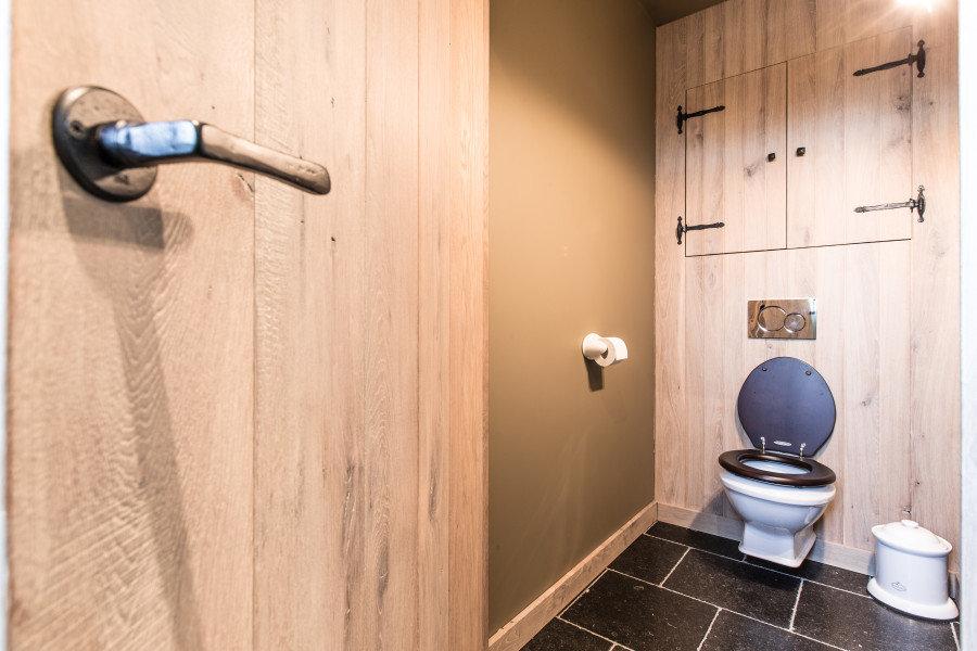 klassiek toilet informatie en inspiratie voor een klassiek interieur taps baths knokke. Black Bedroom Furniture Sets. Home Design Ideas