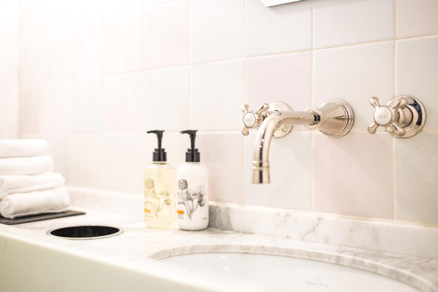 Rustiek Vintage Badkamer : Landelijke badkamers keukens toiletten taps baths